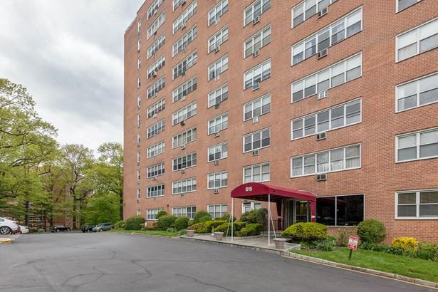 615 Palmer Road 306, Yonkers, NY - USA (photo 1)