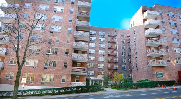 632 Palmer Road 5b, Yonkers, NY - USA (photo 1)