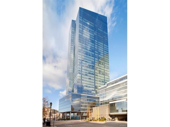 5 Renaissance Square 21b, White Plains, NY - USA (photo 1)
