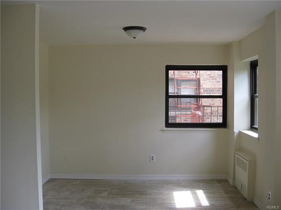 671 Bronx River Road 1h, Yonkers, NY - USA (photo 3)