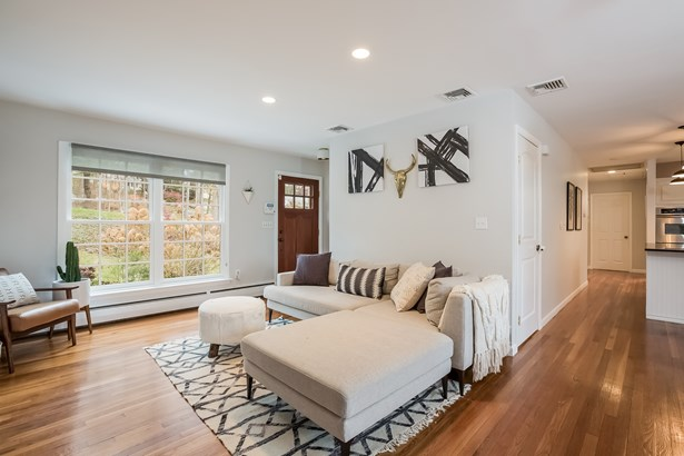 61 Clay Hill Road, Stamford, CT - USA (photo 3)