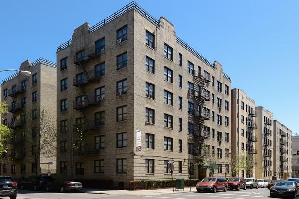 55 E 190 Street 43, Bronx, NY - USA (photo 1)