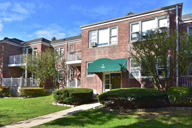 920 Pelhamdale Avenue B1a, Pelham, NY - USA (photo 1)