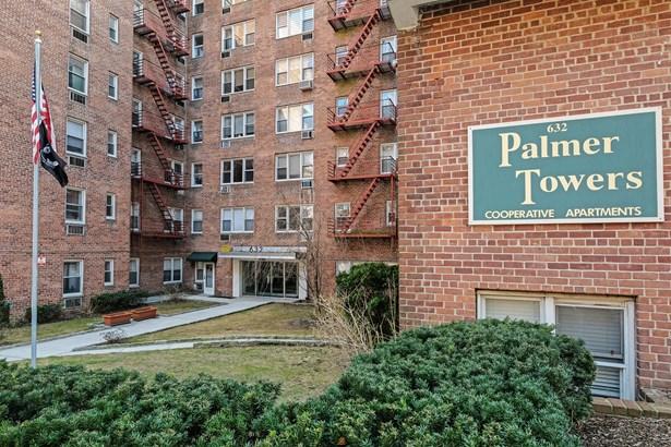632 Palmer Road 10m-n, Yonkers, NY - USA (photo 2)