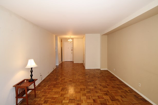 33 Barker Avenue 4f, White Plains, NY - USA (photo 4)