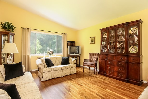 53 Clements Place, Hartsdale, NY - USA (photo 5)