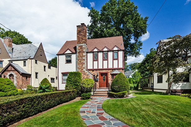 11 Huntwood Place, Mount Vernon, NY - USA (photo 1)