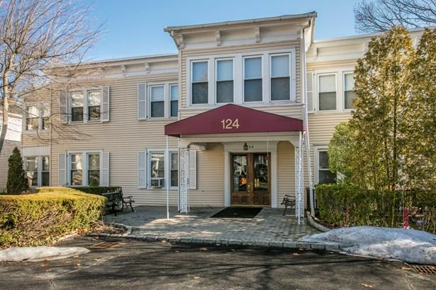 124 Pelhamdale Avenue 4, Pelham, NY - USA (photo 1)