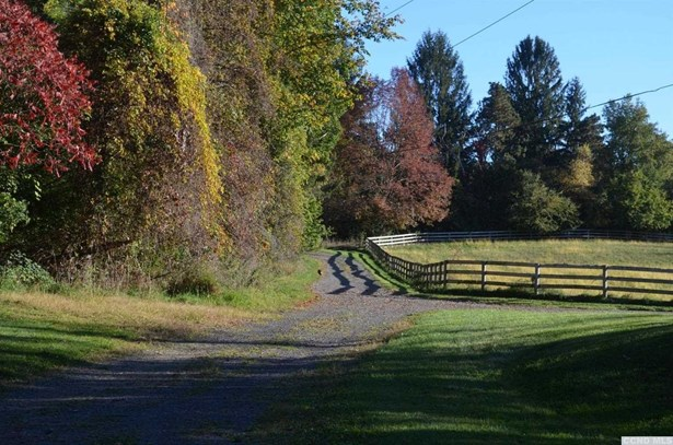 County Route 13, Old Chatham, NY - USA (photo 2)