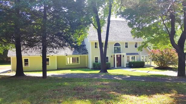 5 Woods End Rd, La Grange, NY - USA (photo 2)