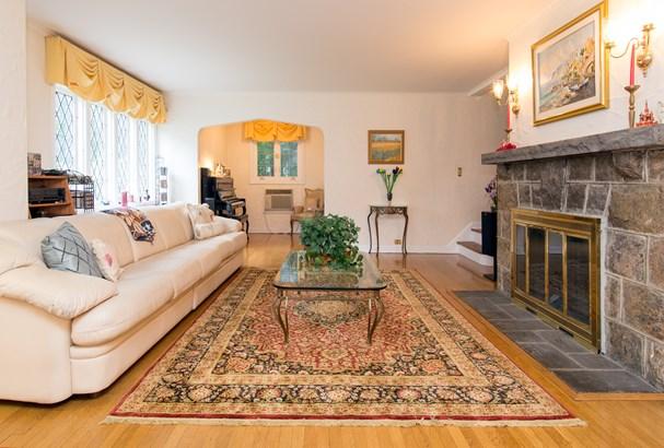 784 Colonial Avenue, Pelham, NY - USA (photo 2)