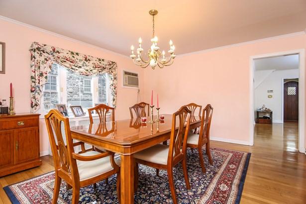 784 Colonial Avenue, Pelham, NY - USA (photo 4)