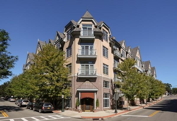 55 1st Street 409, Pelham, NY - USA (photo 1)