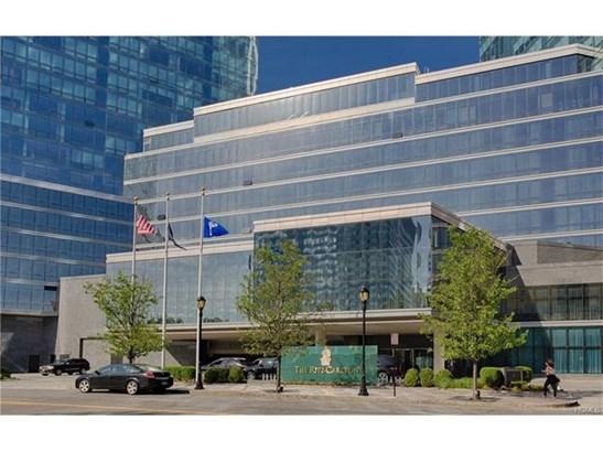 5 Renaissance 10d, White Plains, NY - USA (photo 1)