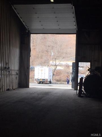 1 One Highland Industrial Park, Peekskill, NY - USA (photo 3)