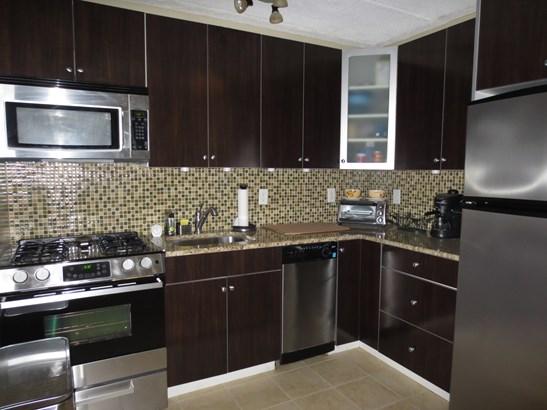 1085 Warburton Avenue 201, Yonkers, NY - USA (photo 2)