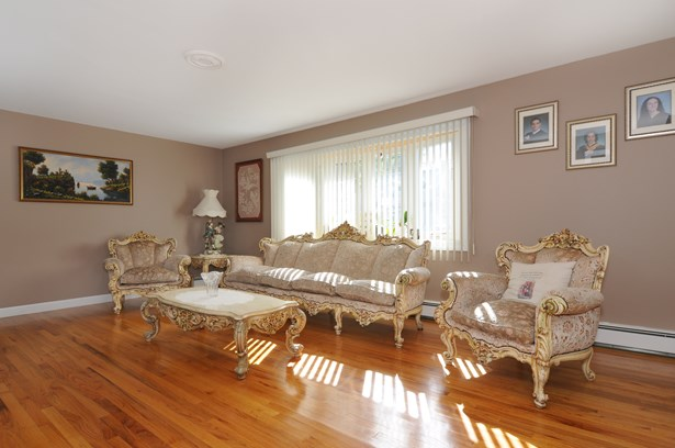 132 Bowbell Road, White Plains, NY - USA (photo 5)