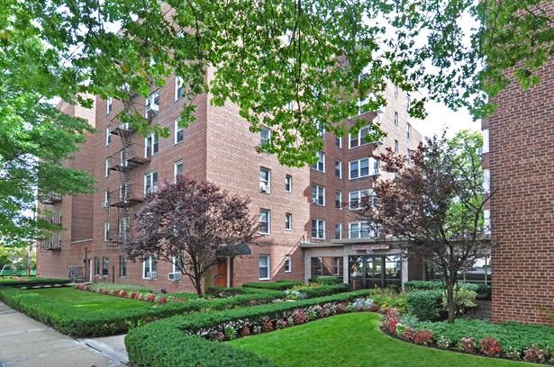 625 Gramatan Avenue 2g, Mount Vernon, NY - USA (photo 1)