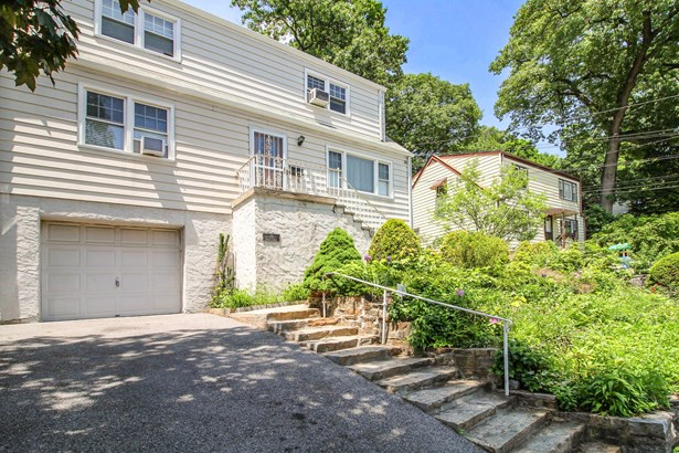 23 Halley Street, Yonkers, NY - USA (photo 1)