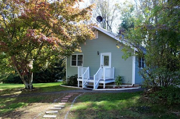 1219 New Road Cottage, Shrub Oak, NY - USA (photo 1)
