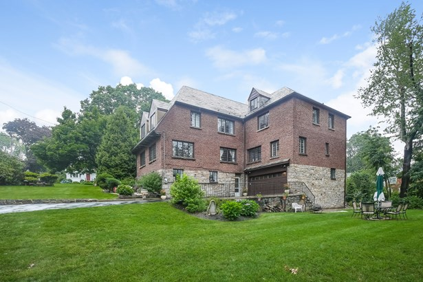 17 Forbes Boulevard, Eastchester, NY - USA (photo 2)