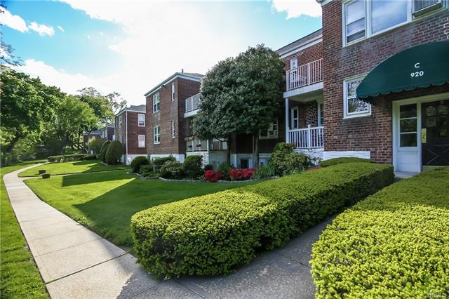 920 Pelhamdale Avenue C1f, Pelham, NY - USA (photo 2)