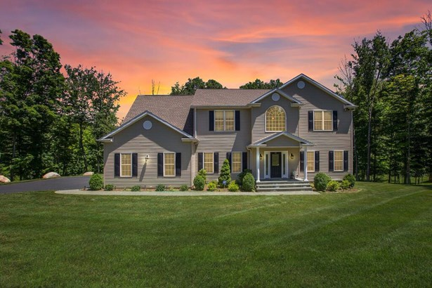 48 Winchester Court, Yorktown Heights, NY - USA (photo 1)