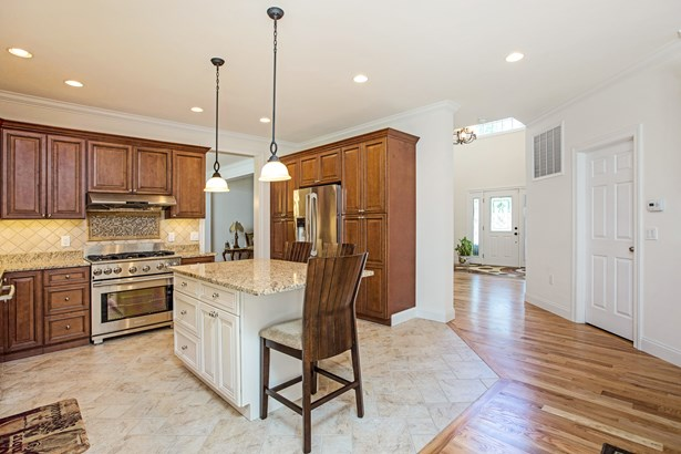 48 Winchester Court, Yorktown Heights, NY - USA (photo 2)
