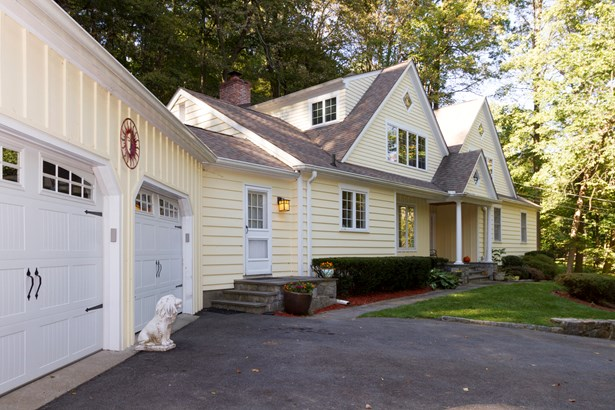 230 Armonk Road, Mount Kisco, NY - USA (photo 2)
