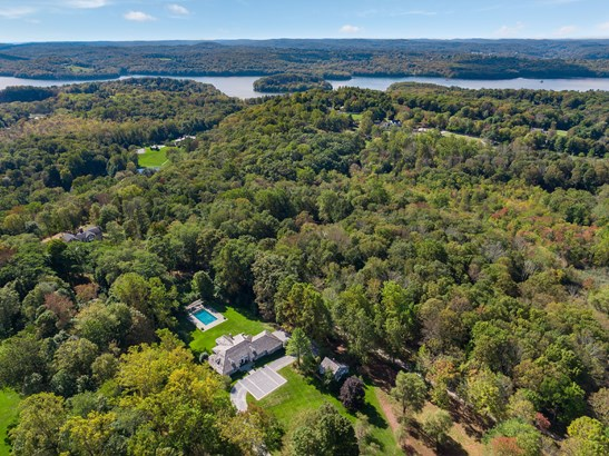 369 Mt Holly Road, Katonah, NY - USA (photo 1)