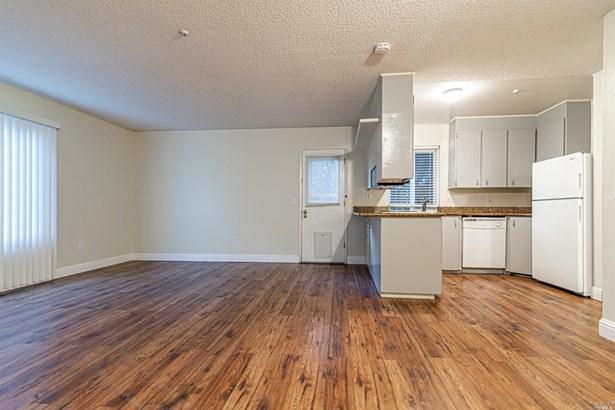 Condominium - Santa Rosa, CA