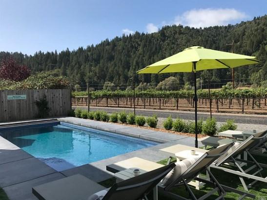 Single Family Residence, Farmhouse - Guerneville, CA