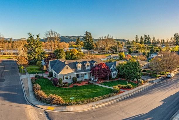 Cape Cod, Single Family Residence - Santa Rosa, CA
