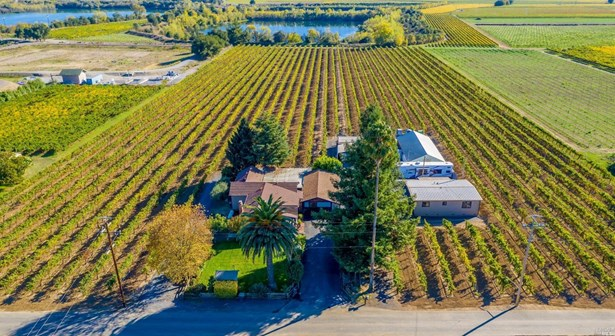 2 Houses on Lot, Farmhouse,Ranch,Traditional - Healdsburg, CA