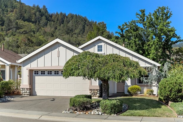 Single Family Residence, Contemporary - Cloverdale, CA