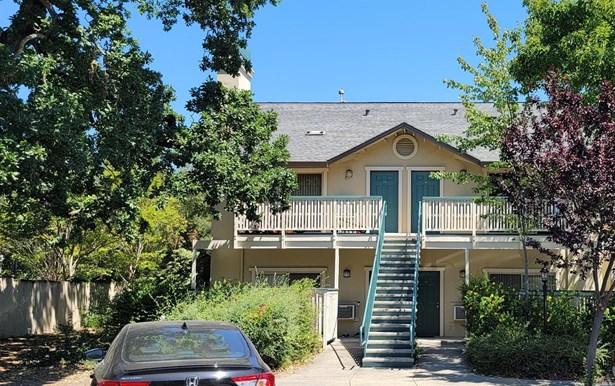 Condominium, Traditional - Santa Rosa, CA