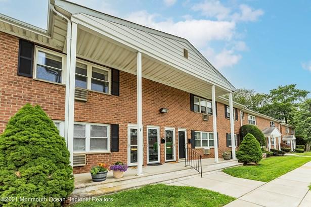 Condominium, Upper Level - Atlantic Highlands, NJ