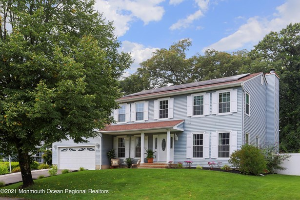 Colonial, Single Family,Detached - Howell, NJ