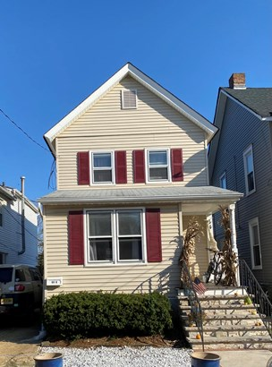 Colonial, Single Family,Detached - Highlands, NJ