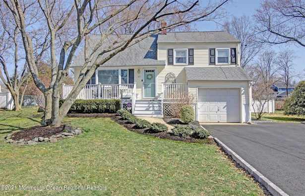 Split Level, Single Family,Detached - Shrewsbury Boro, NJ