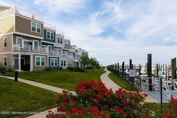 Condominium,Townhouse, Attached,Townhouse - Highlands, NJ