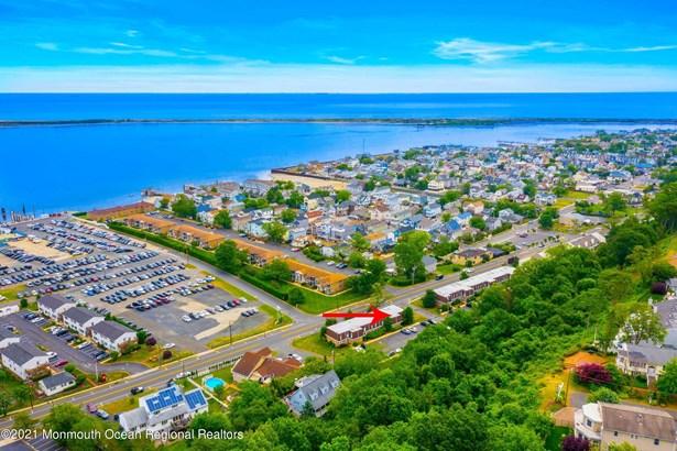 Attached,Upper Level, Condominium,Attached - Highlands, NJ