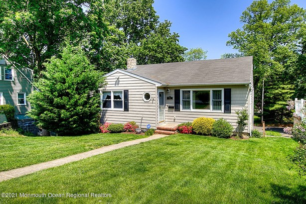 Raised Ranch, Single Family,Detached - Red Bank, NJ