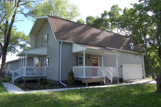 Single Family Detach, 2 Story - Crown Point, IN (photo 1)