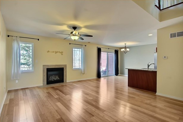 Twnhse/Half Duplex, 2 Story,Townhome - Chesterton, IN (photo 2)