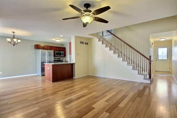 Twnhse/Half Duplex, 2 Story,Townhome - Chesterton, IN (photo 3)