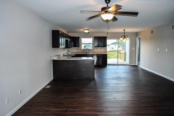 Twnhse/Half Duplex, 1/2 Duplex,Ranch/1 Sty/Bungalow - Merrillville, IN (photo 2)