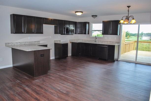 Twnhse/Half Duplex, 1/2 Duplex,Ranch/1 Sty/Bungalow - Merrillville, IN (photo 3)