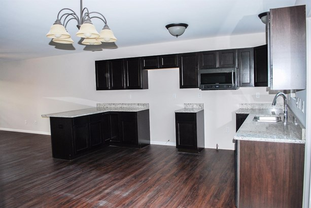 Twnhse/Half Duplex, 1/2 Duplex,Ranch/1 Sty/Bungalow - Merrillville, IN (photo 4)