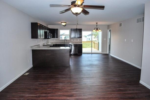 Twnhse/Half Duplex, 1/2 Duplex,Ranch/1 Sty/Bungalow - Merrillville, IN (photo 5)